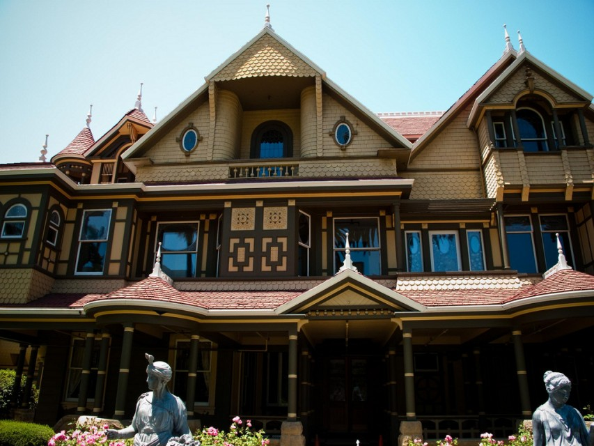 The Winchester Mystery House as it appears today.