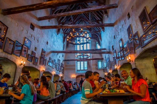The Leaky Cauldron - Diagon Alley - Universal Orlando Resort