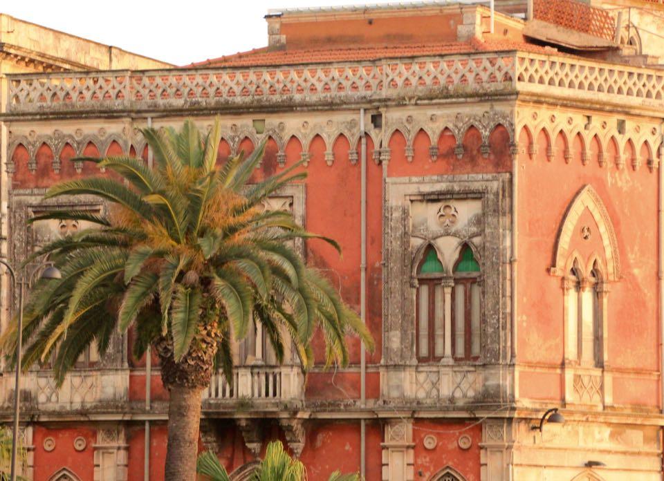 Syracuse Island and the city of Isola Ortigia, Sicily, Italy, Photo by Dr. Cacinda Maloney of PointsandTravel
