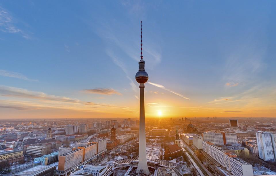 Berlin Fernsehturm Sunset