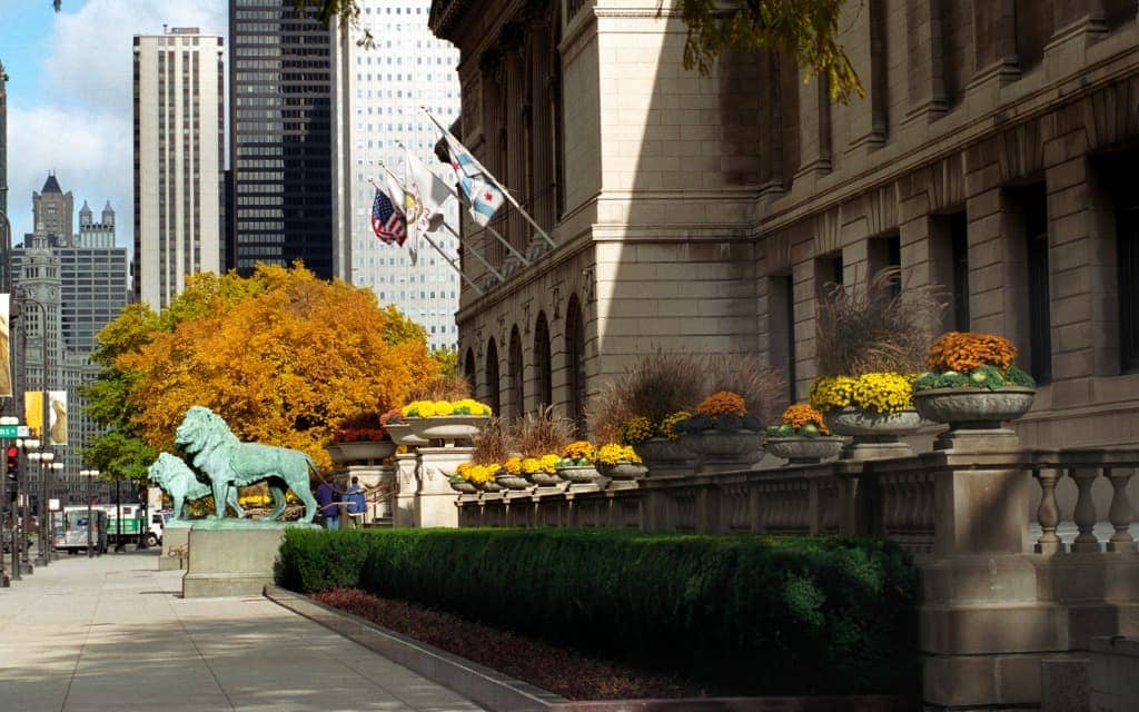 art-institute-romantic-date-ideas-in-chicago-travelocity