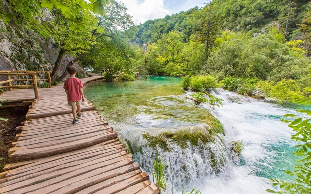 Kid-friendly Europe: Walking around Plitvice