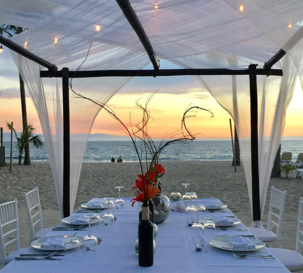 Come with PointsandTravel.com as she explores three flavors of Mexican hotels in Puerto Vallarta.