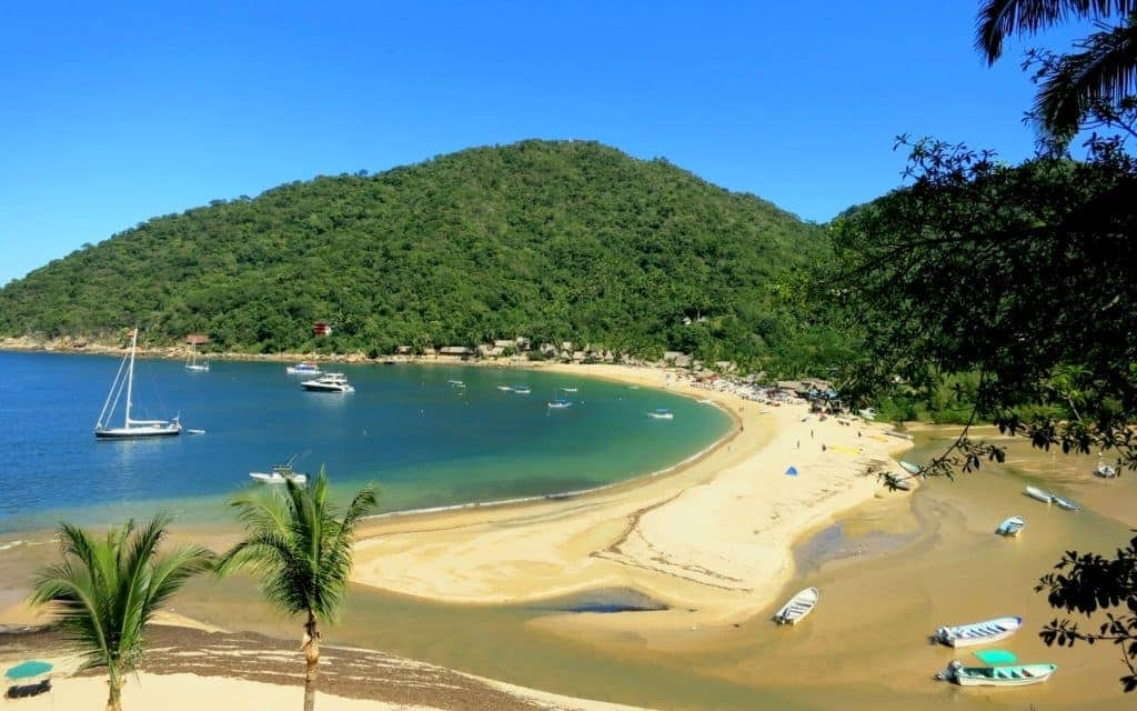 Travel Yelapa-Mexico_HoneyTrek