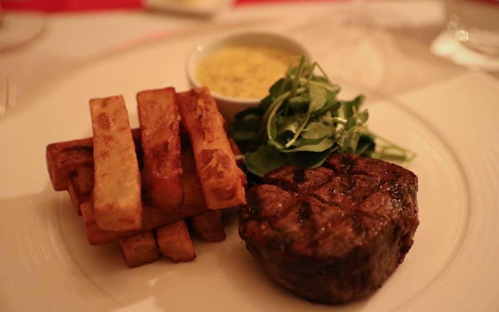 Cheneston's Restaurant steak and chips