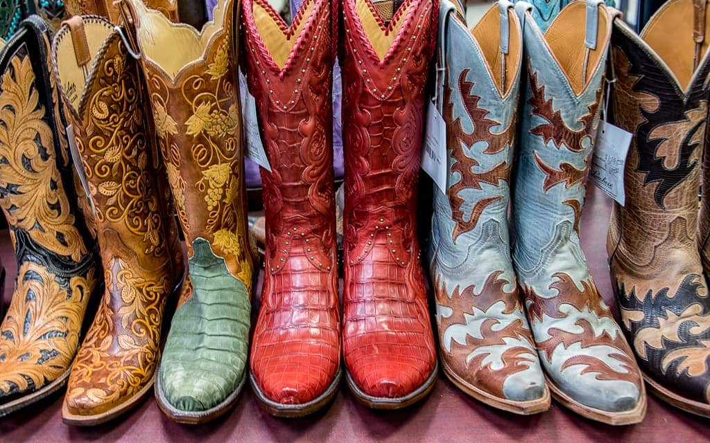 Come along with travel writer Dr. Cacinda Maloney of PointsandTravel.com as she shows us 7 things to do in Texas other than the Alamo!