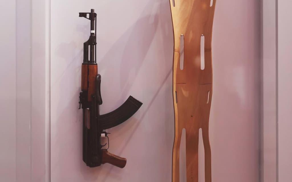 AK and a Medical Splint