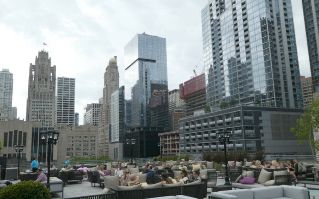 Chicago-Gems-Rooftop-Bars-Travelocity
