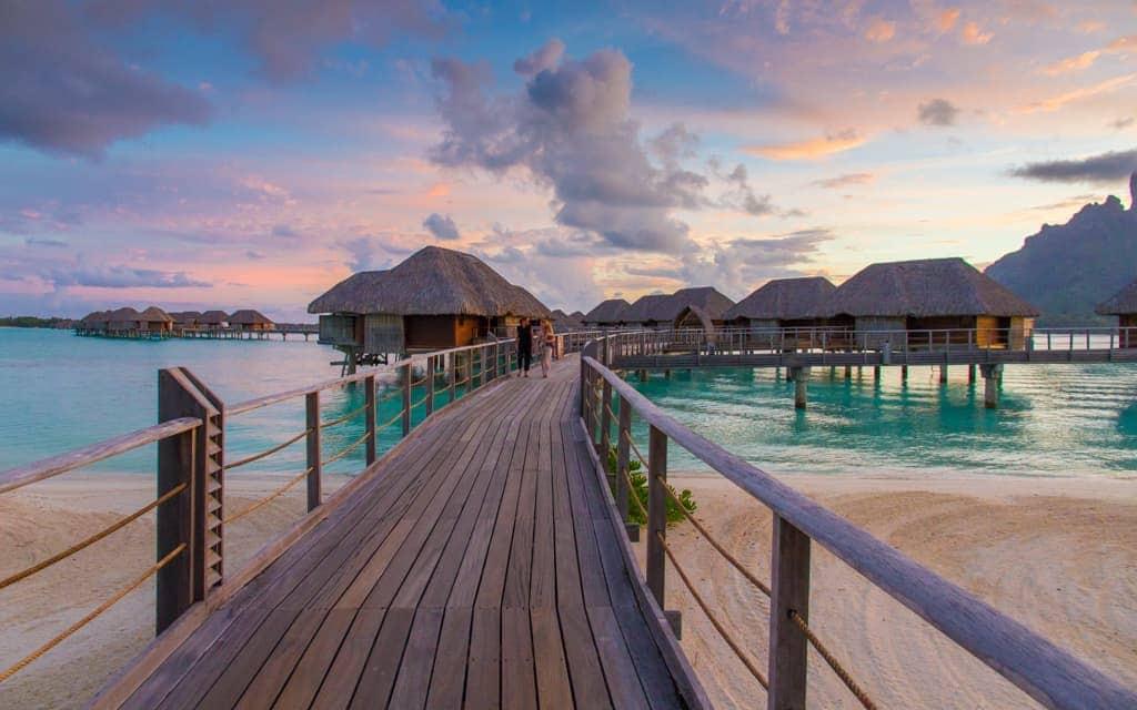Travel inspiration: Sunset in Bora Bora, French Polynesia (Four Seasons Bora Bora)