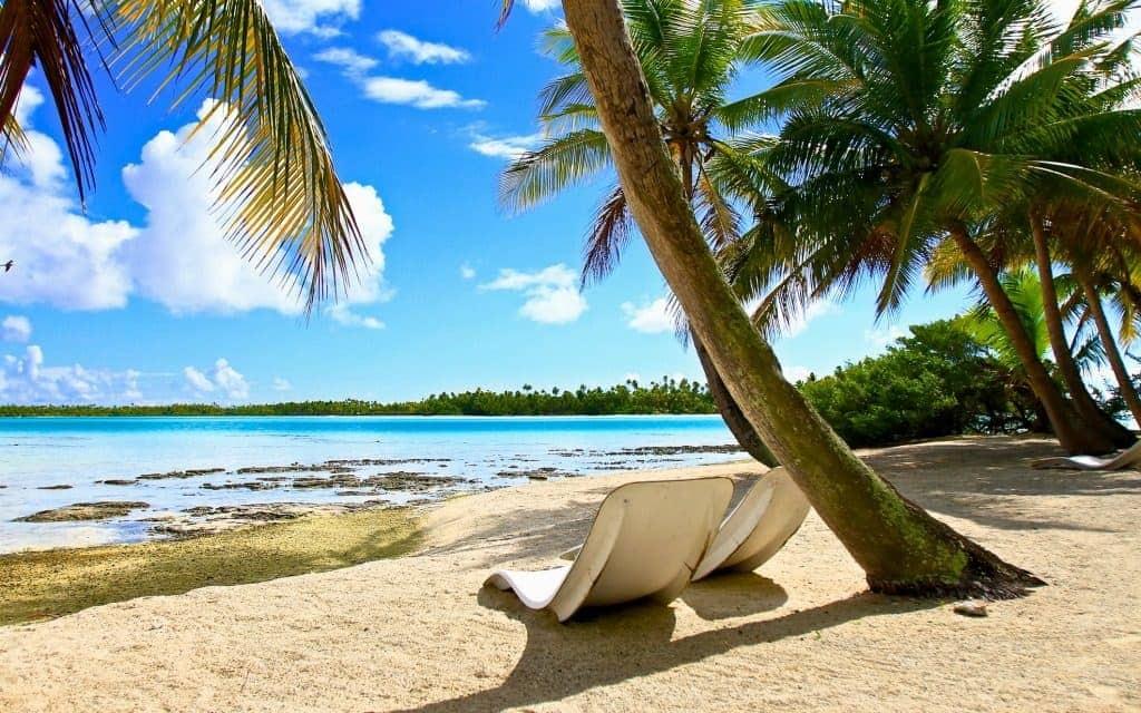 Under-The-Radar Honeymoon Destinations - Rangiroa, French Polynesia