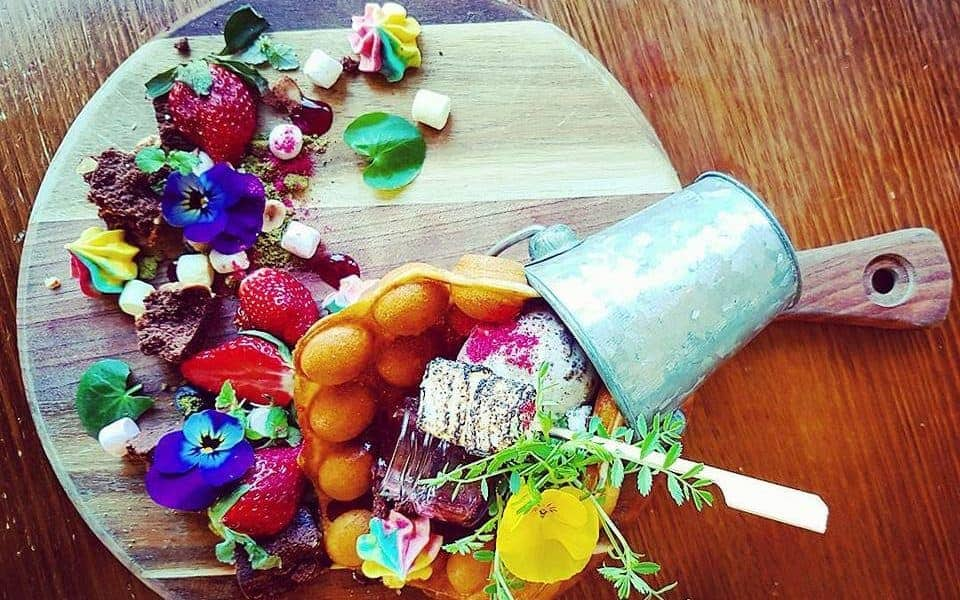 Prettiest food Australia - waffles