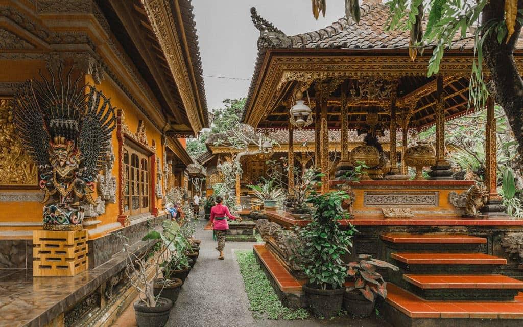 Bali-Indonesia-Kecak