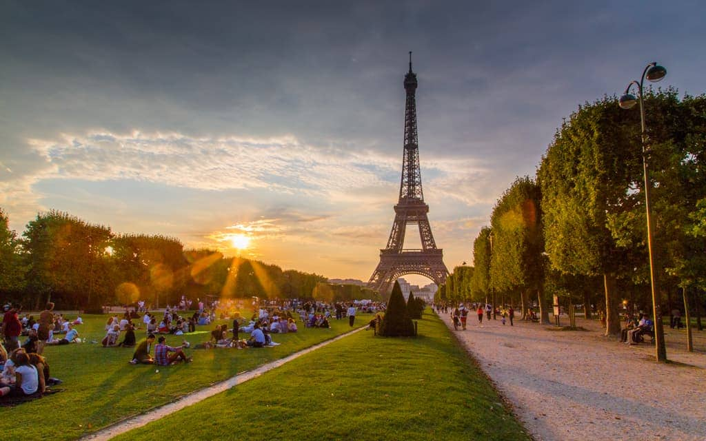 Bucket list cities: Late afternoon at Champ de Mars park in Paris