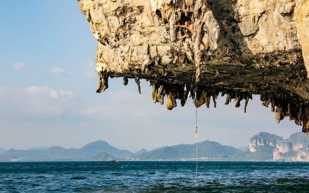 Bucket list activities: Cliff diving