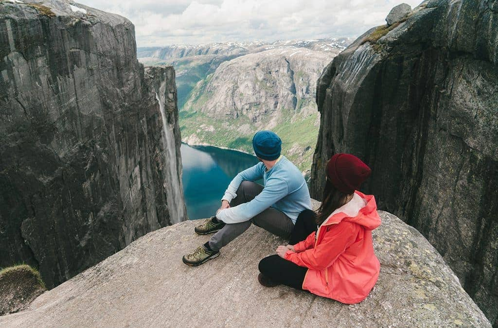 Anatomy of a Perfect Travel Companion: 5 Key Traits & 1 Danger Sign