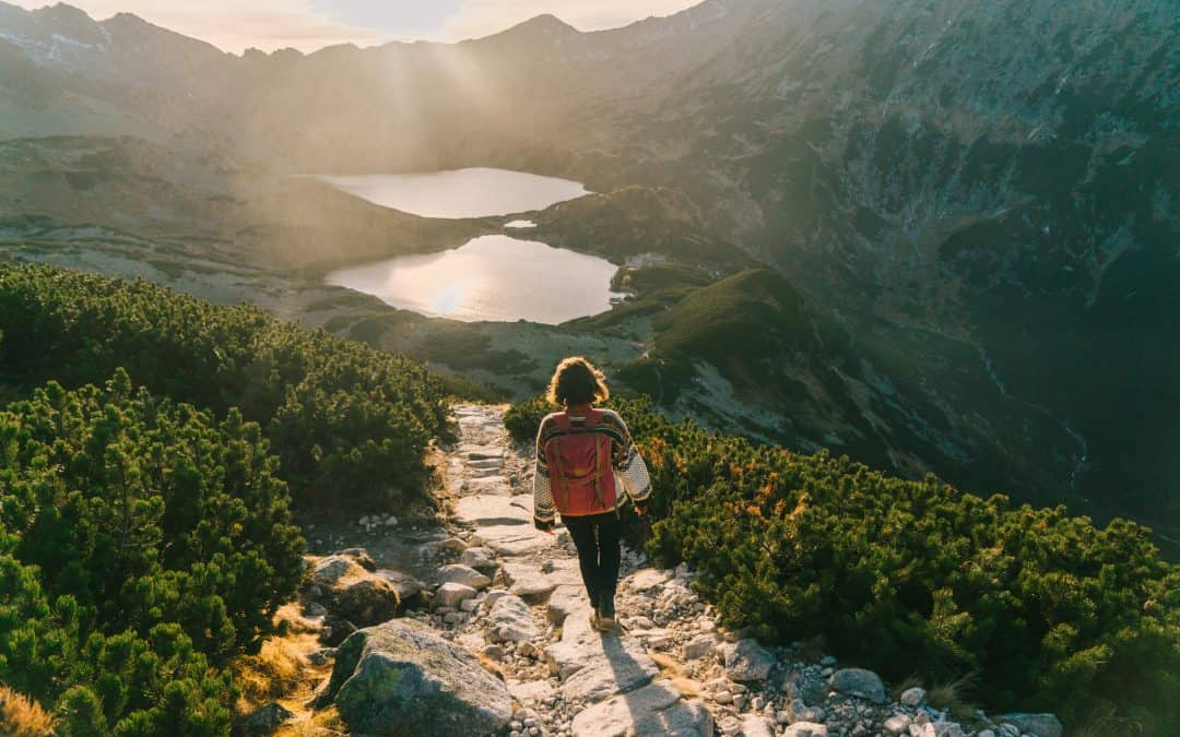 Traveling Alone: 8 Incredibly Helpful Solo Travel Tips