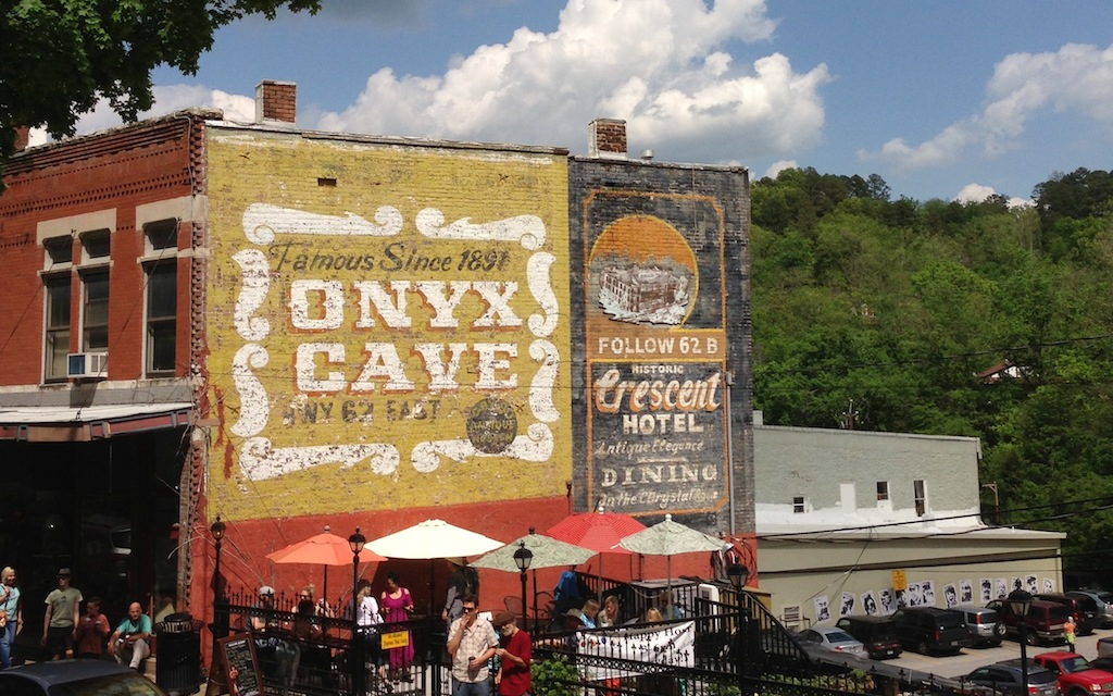 Eureka Springs Arkansas is one of the best small city road trip destinations for 2018