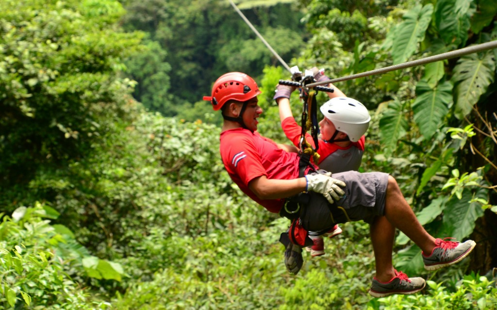 Must Have Experiences in Costa Rica Zip Line-Kids Are A Trip