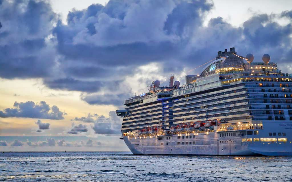 9 Things You Should Pack For A Cruise (and What You Really Can't!)