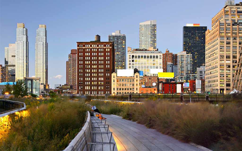 All the Best Things to See and Do Along New York City's High Line