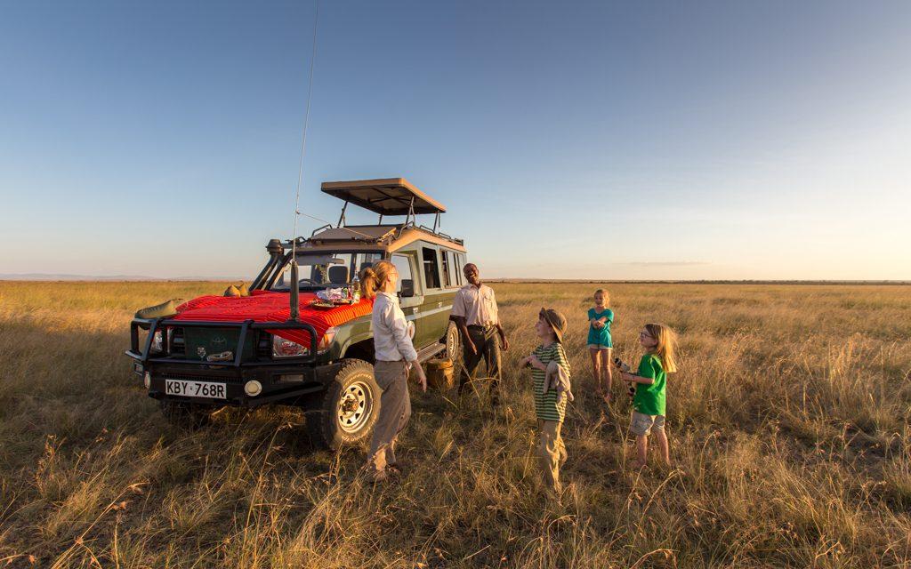 Safari tips - Having fun with our guide in Kenya's Masai Mara