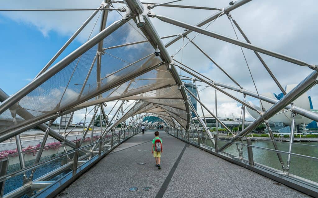 Singapore: Walking to Marina Bay Sands and the Gardens by the Bay