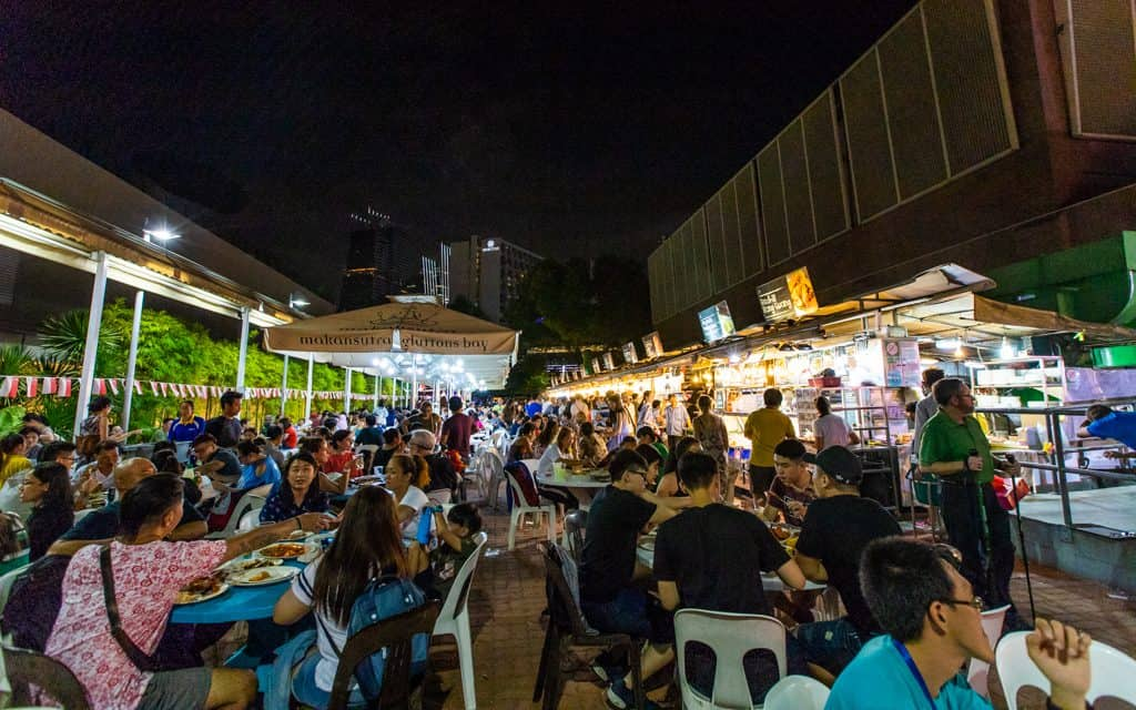 Singapore: Street food at Makansutra Gluttons Bay