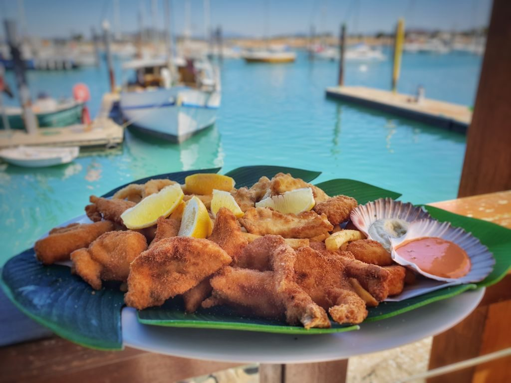 Great Barrier Reef With Kids - Fish and chips