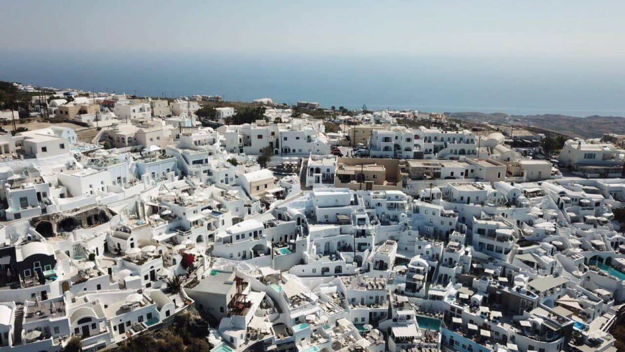How To Experience The Greek Islands Of Mykonos Santorini