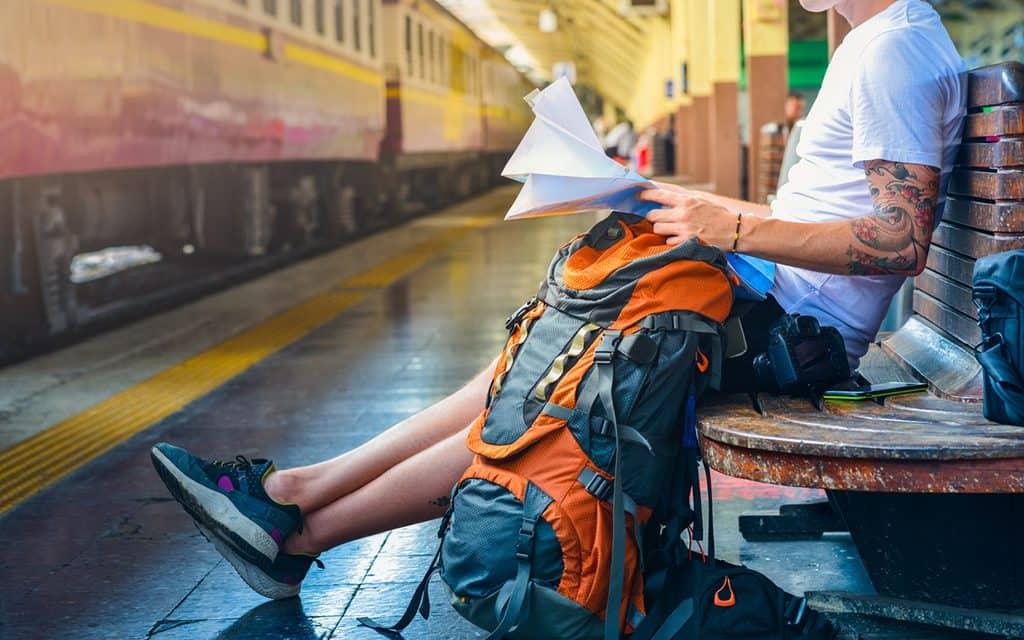 pick the proper bag - travel for good