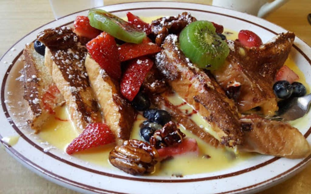 french toast at modern diner
