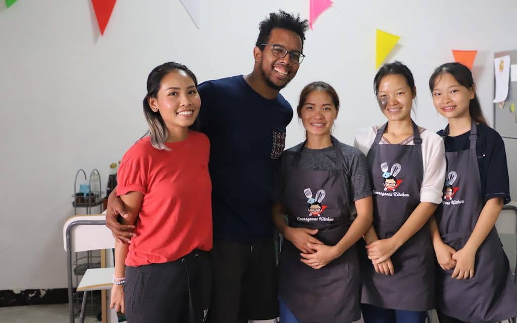 Taking a Thai cooking class in Bangkok is a pretty amazing way to learn to prepare Thai dishes at home as well as give back to the community. #TravelForGood #Gnomads #Travelocity
