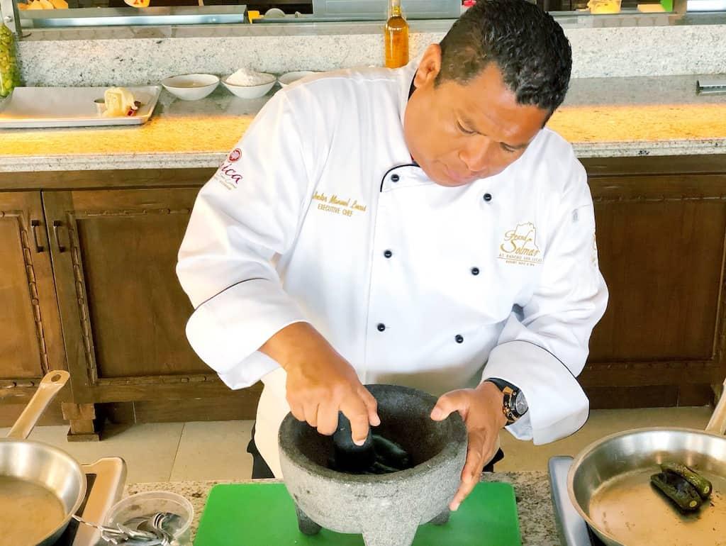 Chef Hector Lucas making fresh salsa | photo credit: Pattie Cordova
