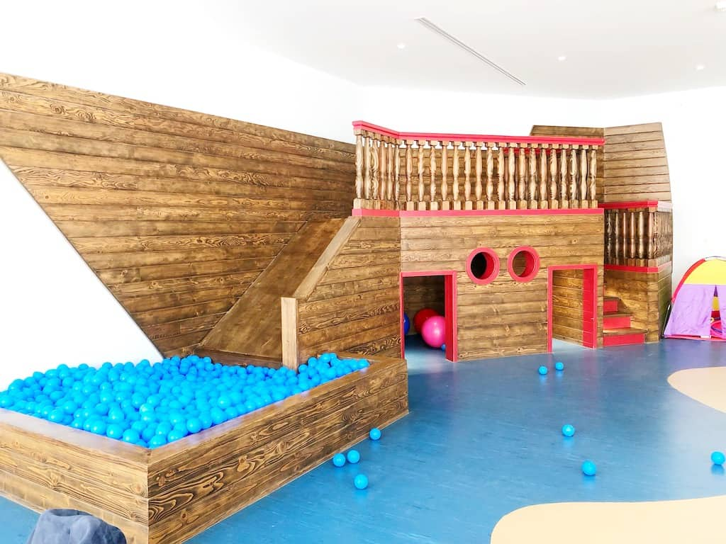 Kids club with a slide and a ball pit. | photo credit: Pattie Cordova
