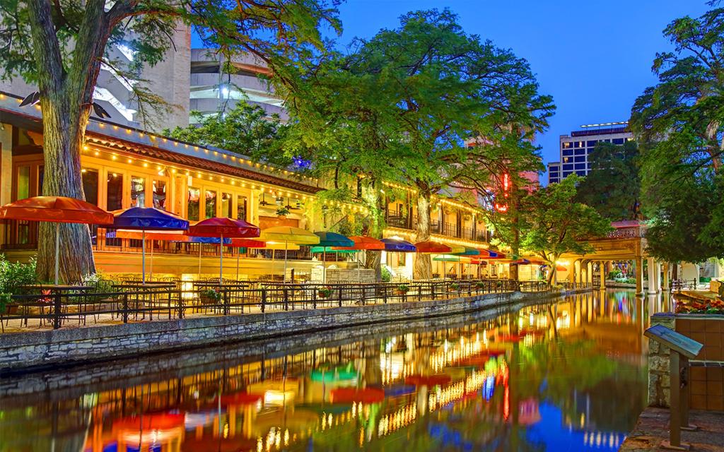 10 must-visit spots along the San Antonio River Walk