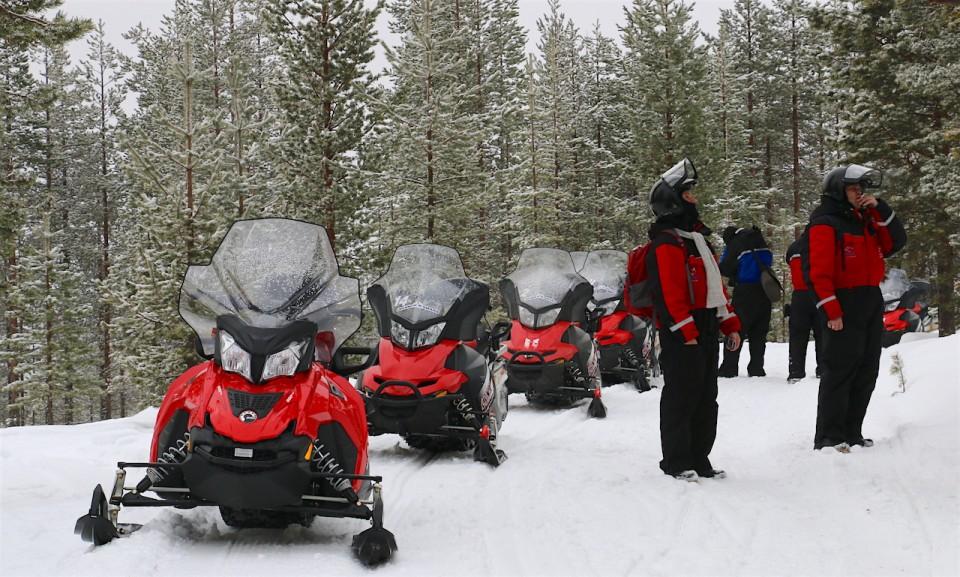 Lapland-Safari-Snowmobile-tour-by-MikesRoadTrip