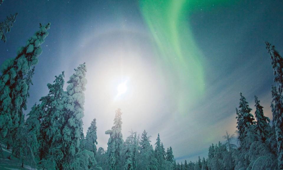 Finland-northern-lights-MikesRoadTrip