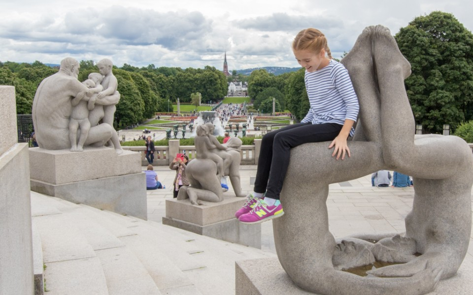 Oslo with kids - Playing on Vigeland's playful sculptures