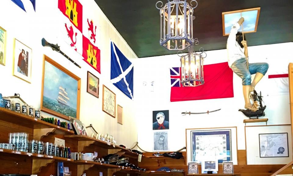 Visiting a pirates museum in Salem, MA - livingmividaloca.com