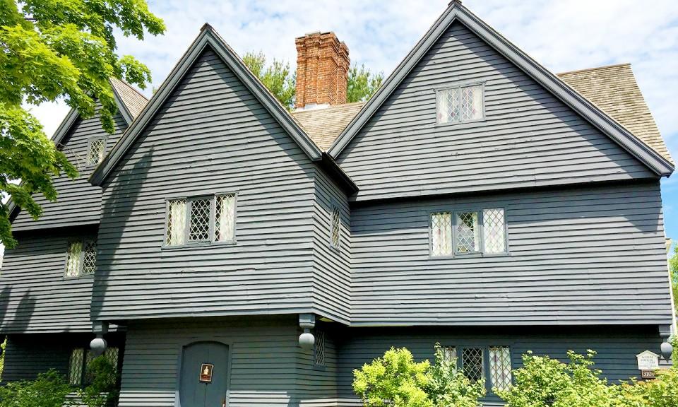 Witch house at Salem, MA - livingmividaloca.com