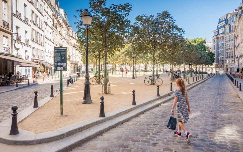 Paris with kids - We love walking around Paris and discovering new places