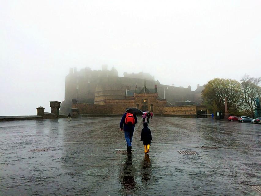 Where to Take Your Kids in 2017 - Edinburgh Castle in Scotland