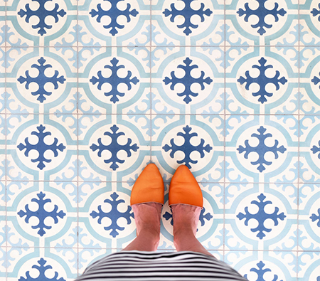Best Foot Forward: Travelocity Uncovers What Shoes Say about Travelers' Vacation Plans
